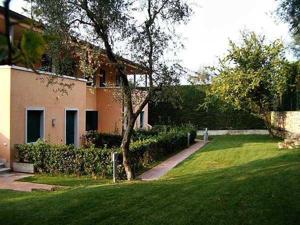 Hinterer Garten von Villa Masserosa